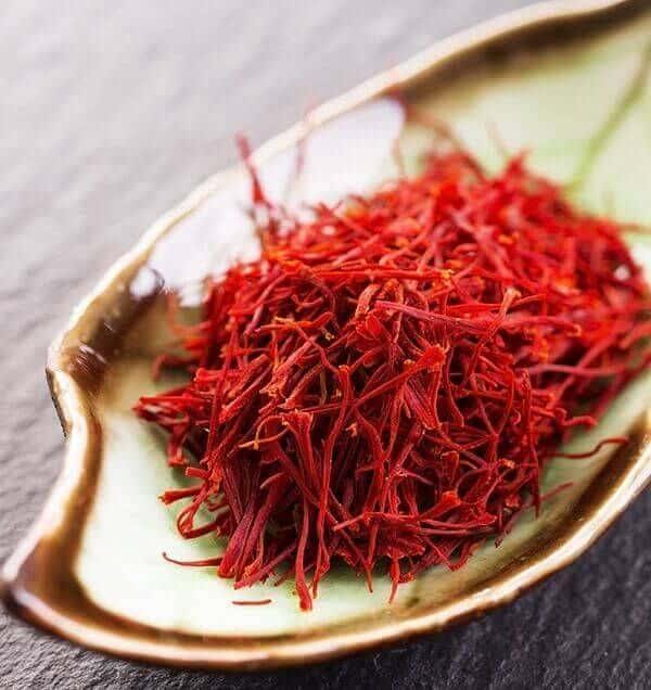 Làm sao để phân biệt Nhụy hoa nghệ tây (Saffron) thật hay giả?